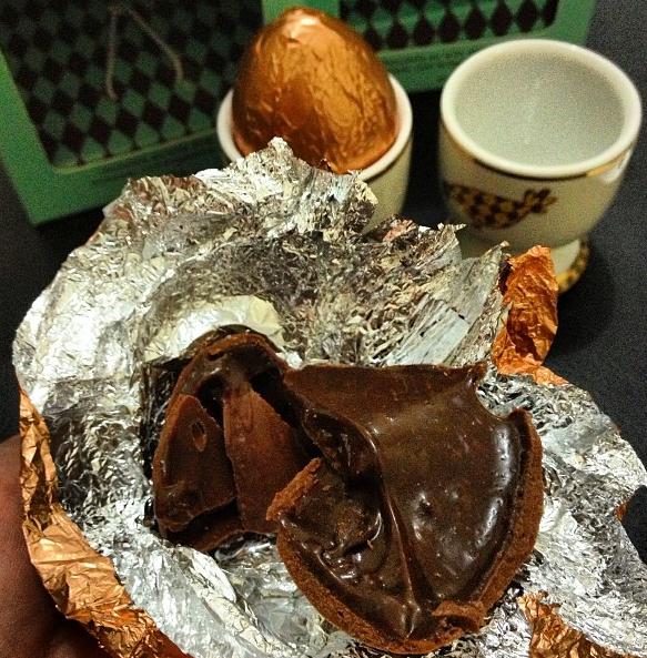 Mini ovos de Páscoa recheados com brigadeiro
